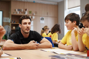Steven Finn on a Chance to Shine visit to his former junior school in Watford