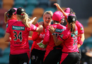 Dane van Niekerk took a hat-trick to carve out Hobart Hurricanes' middle order, Hobart Hurricanes v Sydney Sixers, Women's Big Bash League 2017-18, Hobart, December 17, 2017