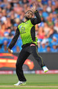 Fawad Ahmed in his delivery stride, Adelaide Strikers v Sydney Thunder, Big Bash 2017-18, Adelaide, December 22, 2017