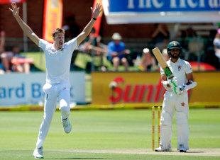 Morne Morkel appeals for Sikandar Raza's wicket