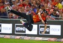 Jhye Richardson, as gravity did not intend him to be, Melbourne Renegades v Perth Scorchers, Big Bash League 2017-18, Melbourne, December 29, 2017