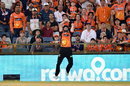 Andrew Tye jumped, hopped, skipped and tumbled while completing Nic Maddinson's catch, Sydney Sixers v Perth Scorchers, BBL 2017-18, Sydney, January 1, 2018