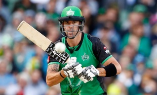 Kevin Pietersen keeps his eyes on the ball