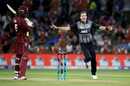 Tim Southee bounced out Chris Gayle for a duck, New Zealand v West Indies, 3rd T20I, Mount Maunganui