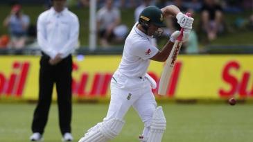 AB de Villiers middles a defence