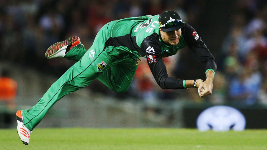 Kevin Pietersen hangs onto a diving catch