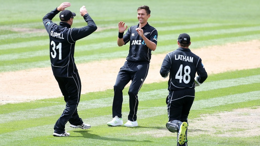 Trent Boult's early strikes set the template for Pakistan's listless collapse