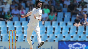 Ishant Sharma in his delivery stride