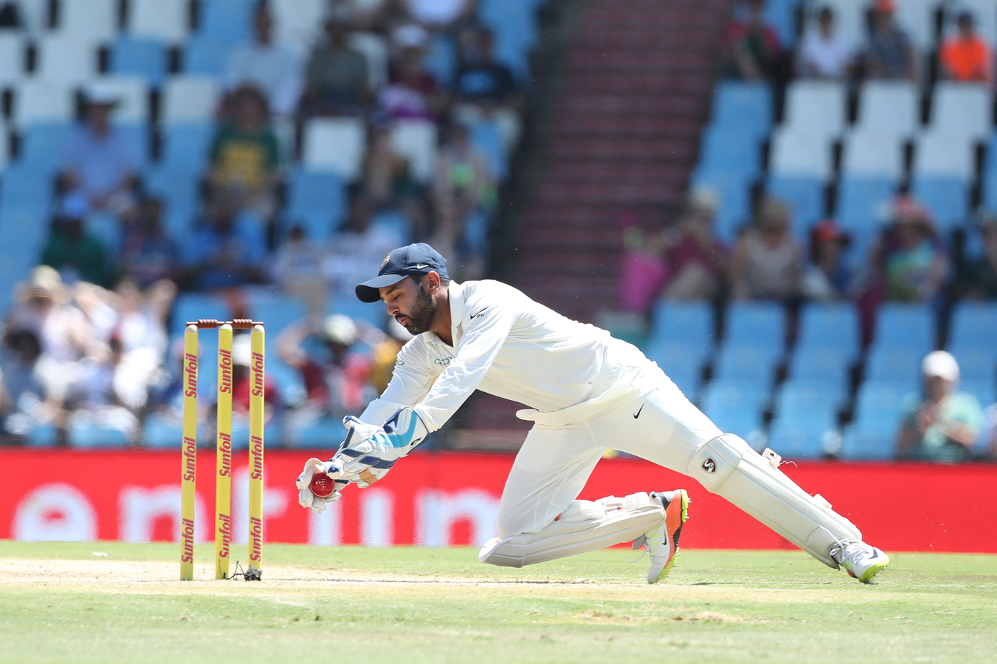 SA vs IND 2018: Wriddhiman Saha Ruled Out of Series; Dinesh Karthik Named as Replacement