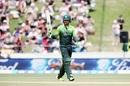 Fakhar Zaman salutes the crowd, New Zealand v Pakistan, 4th ODI, Hamilton, January 16, 2018