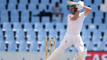 AB de Villiers strikes an elegant pose
