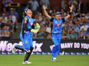 Peter Siddle celebrates a wicket, Adelaide Strikers v Hobart Hurricanes, BBL 2017-18, Adelaide, January 17, 2018