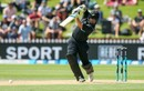 Colin Munro leans into a powerful straight drive, New Zealand v Pakistan, 5th ODI, Wellington, January 19, 2018