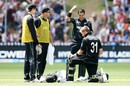 Martin Guptill and Ross Taylor have a discussion during their 112-run stand, New Zealand v Pakistan, 5th ODI, Wellington, January 19, 2018
