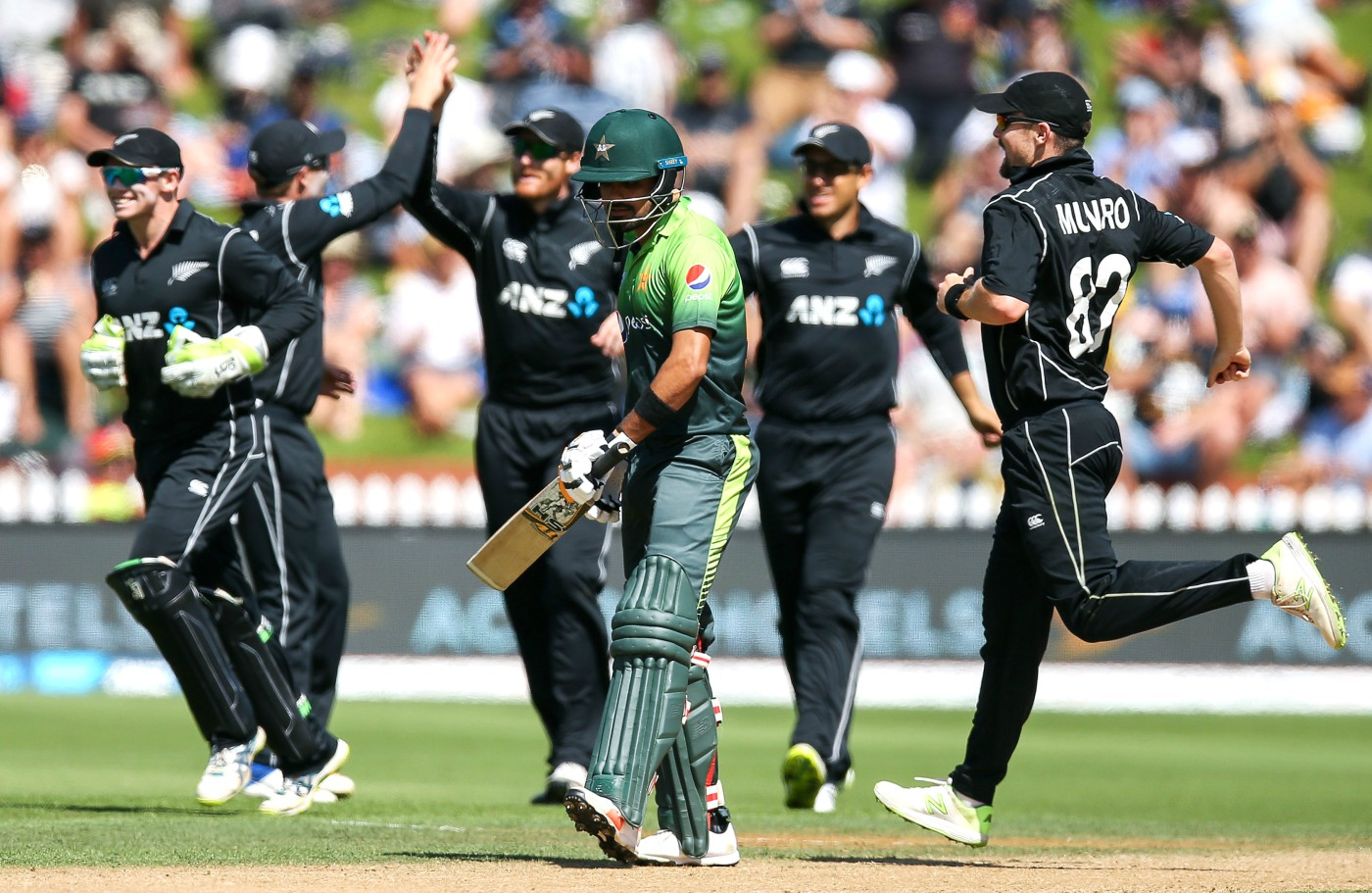 Tim Southee, Seth Rance and Colin Munro lead New Zealand to a seven-wicket win over Pakistan in first T20I