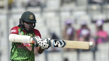 Shakib Al Hasan lines up for a pull