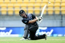 Colin Munro attempts a switch hit, New Zealand v Pakistan, 1st T20I, Wellington, January 22, 2018