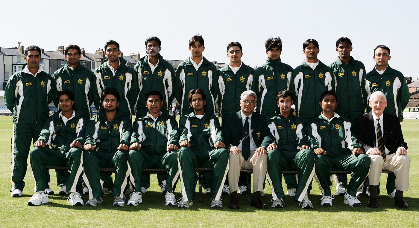 Amir and fellow left-arm seamer Junaid Khan (standing, fourth and fifth from left) on the Pakistan U-19 tour of England in 2007. Amir took eight wickets at 16.37 from five matches