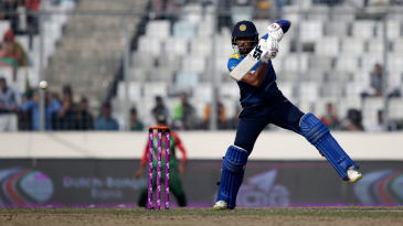 Dinesh Chandimal plays a back-foot punch