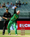 Ben Dunk ambles in for a bowl, Melbourne Stars v Hobart Hurricanes, Big Bash League, Melbourne, January 27, 2018
