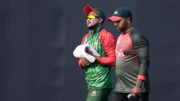 Shakib Al Hasan went off the field after injuring his hand while diving