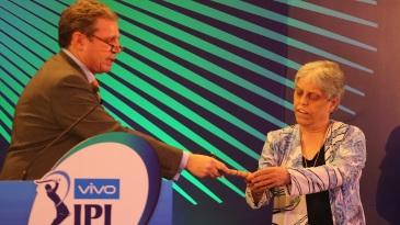 Diana Edulji picks the player bails at the IPL auction