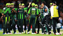 The Pakistan players celebrate the wicket of Ross Taylor following the review, Pakistan v New Zealand, 3rd T20I, Mount Maunganui, January 28, 2018