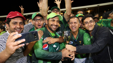Sarfraz Ahmed takes a picture with his fans