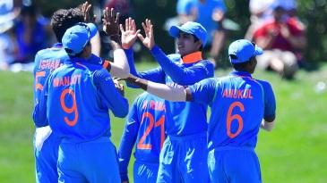 India players celebrate a Pakistan wicket