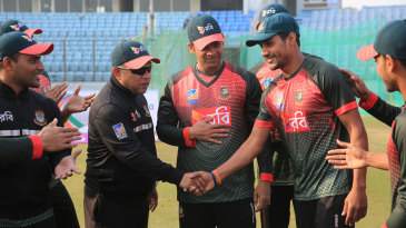 Sunzamul Islam gets a message from Khaled Mahmud after receiving his Test cap