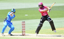 Ashleigh Gardner goes on her toes during her vital half-century, Sydney Sixers v Adelaide Strikers, WBBL 2017-18, 2nd semi-final, Adelaide, February 2, 2018