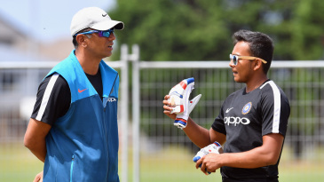 Rahul Dravid and Prithvi Shaw share some ideas