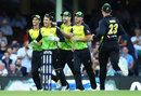 Debutant Alex Carey claimed a catch to dismiss Colin Munro, Australia v New Zealand, Trans-Tasman T20, Sydney, February 3, 2018