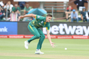 Morne Morkel tries to field off his own bowling, South Africa v India, 5th ODI, Port Elizabeth, February 13, 2018