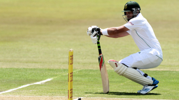 Jacques Kallis squats on the pitch