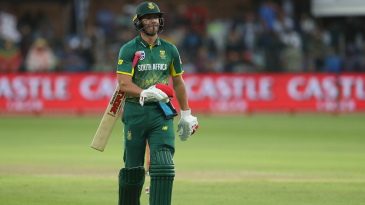 AB de Villiers was dismissed for a measly 6
