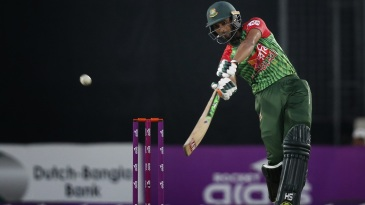 Mahmudullah goes inside out