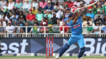 Manish Pandey scythes one behind point
