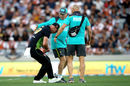 Chris Lynn suffered a dislocated shoulder while fielding, New Zealand v Australia, T20 Tri-Series final, Auckland, February 21, 2018