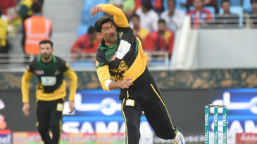 Sohail Tanvir in his delivery stride