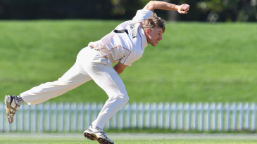 Logan van Beek bowls during a Plunket Shield match