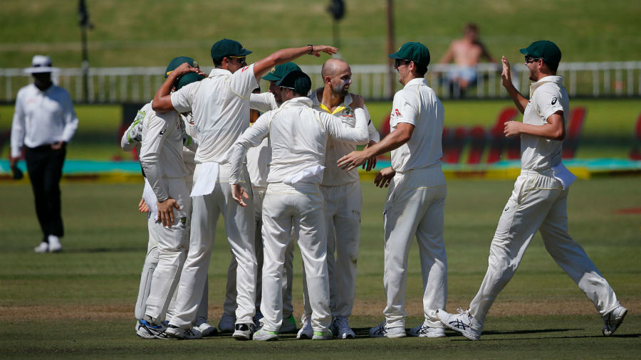 Aussies wrap up first Test as Warner, De Kock bust-up probed