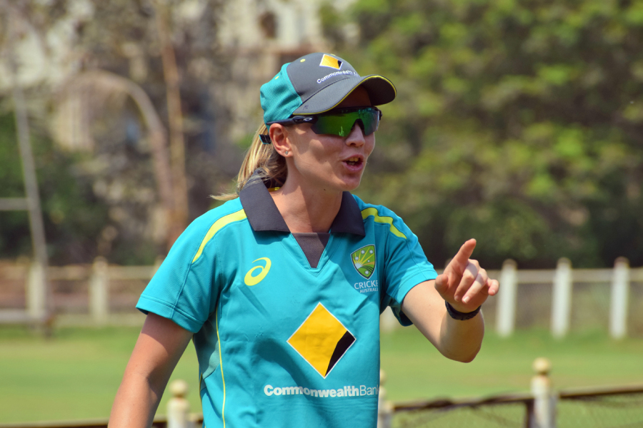 Bolton guides Aussie eves to 8-wkt win over India