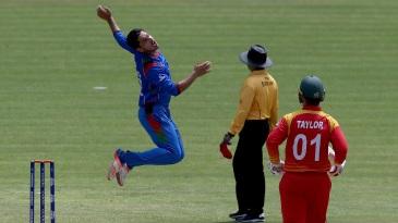 Sharafuddin Ashraf reacts after Brendan Taylor was dropped