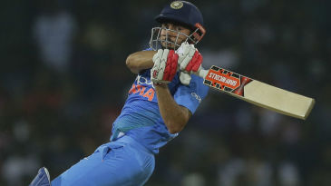 Manish Pandey takes on the short ball