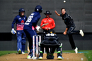 Mitchell Santner dangles one up to Joe Root, New Zealand v England, 4th ODI, Dunedin, March 7, 2018