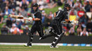 Ross Taylor and Tom Latham sprint between the wickets, New Zealand v England, 4th ODI, Dunedin, March 7, 2018