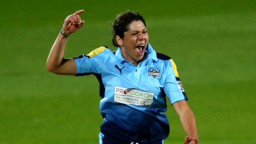 Alice Davidson-Richards in action for Yorkshire Diamonds