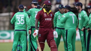 Chris Gayle was dismissed by Tim Murtagh for 14 runs