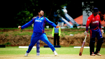 Mohammad Nabi in his delivery stride